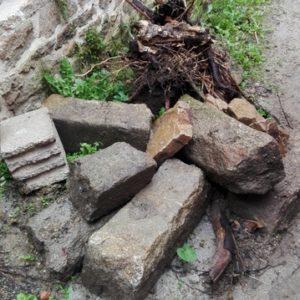 Récupération des pierres du terrain
