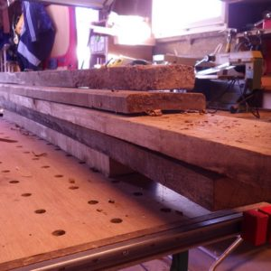 le bois brut récupéré