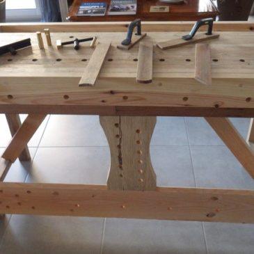 Travail du bois à la main : Réalisation d'un établi.