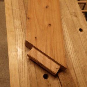 blocage des pièeces de bois en angles